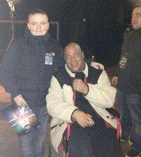 元WWEで現TNAのカート・アングルですが、現在は車椅子に乗って調子が悪そうですが、どうかしたのでしょうか?
