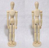デッサン人形についての質問です。 今こういう形のデッサン人形を買おうか迷っています。 アマゾンで売ってあったんですが、口コミが無かったので質問させて頂きます。  この人形と似た、または同じのを持って...