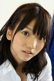 AKB48のあきちゃこと高城亜樹ちゃんについてですが、彼女は気の強そうな顔ですが、意外とか細い声でおっとりとした感じの話し方ですよね。みなさんは彼女についてどう感じますか?けっこう落ち着いた感じの 女の子だと感じませんか?