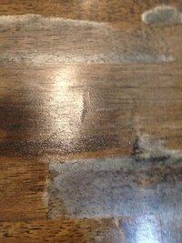 テーブルにカビが生えてしまいました… 取る方法はありますか?