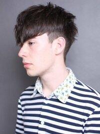 メンズの髪型の呼び方についての質問です。 この髪型に名称をつけるならどのように言えばいいのでしょうか...教えてください。