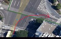 仙台の愛宕橋の大通りの十字路ですが、画像の矢印のように右折出来ますでしょうか?している車を見たこと無いのですが