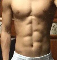 この写真は体脂肪率何%くらいですか? 167cm/55kg