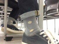 このデニムのロールアップ、あと靴下ダサい?
