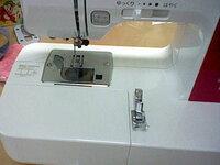 このミシンの部品の取り付け方を教えて下さい。メーカーはbrotherです。