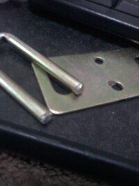 原付スクーター系びシートをロックする金具?は意外に折れたりしやすいでしょうか? 突然折れてしました ちなみに社外です 詳しい方教えてください