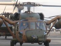 自衛隊のヘリコプター。  今回の熊本地震もそうですが、災害派遣の時によく見かけるUH-60というヘリはどれくらい高性能ですか?