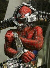スパイダーマンのグリーンゴブリン戦でマスクがズタズタになった映画シーンの画像ください。目と口と髪が見えてるやつです。