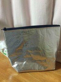 保冷バッグの臭い匂いをとりたいのですが、良い方法はありますか?