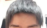髪を切るのに失敗してしまいました すごく短いパッツンになってしまいました しかもアーチ状でとても恥ずかしいです パッツンを治す方法か自然に見せる方法はありませんか??、