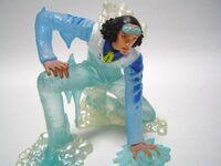 ワンピースの青雉のフィギュアです。氷のエフェクトで見事に再現しています。貴方はこの青雉のフィギュアが欲しいですか?イマイチ…造りが良くないですか?