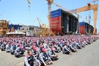 韓国の失業者を日本に送り込むニダ!  苦境の韓国造船業界に日本がクレーム。 --------- 造船の公正な競争条件確保を (日経 2016/12/13)  日本政府は今月初めの経済協力開発機構(OECD)の造船部会で、...