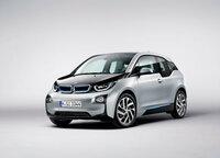 ノートe-POWERて電気自動車なのに排気ガスを出すてなんなのですか。 ノートe-POWERてエンジンで発電しながら走るそうですが。 バッテリーの充電量を気にせず走れる電気自動車というのが売りですが。 でも電気自動車なのに排気ガスを出すのって意味不明だと思うのですが。 電気自動車て排気ガスを出さないクリーンさが売りだと思うのですが。  BMWの発電機付き電気自動車なら分からなくもな...