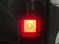ホイールローダーの警告灯ですが、何の警告灯かわかる方教えてください!