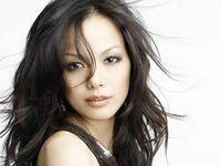 女性に質問します。 好きな女優・ファッションモデル・女性歌手・女性声優はいますか? 複数回答OKです。