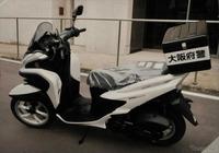 警察車両に、125ccのスクーターが急増したように感じるのですが、気のせいでしょうか?また、事実ならばなぜでしょうか?よろしくご教示ください。
