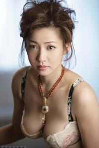 グラビアアイドルだった細川ふみえさんの近況は? ふみえさんも今年で46才ですよね?