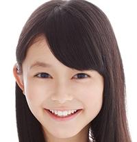 画像の子は久間田琳加ちゃんに似てると思いますか?  というか本人ではないでしょうか。   しばらくあってない友人から送られてきて、「久間田琳加に似てるって言われる」と。たしかに友人 っぽい顔なのです...