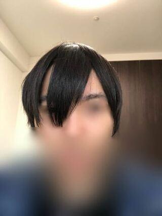 短髪 デコ 広い