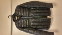 この革ジャンのインナーがグレーのセーター、パンツがタイトな色薄のジーパンてありでしょうか?