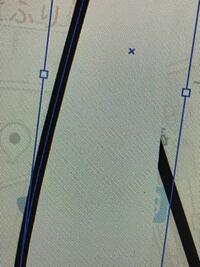 イラストレーターでペンツールを使っていると 内側に白いものが出てしまいます、線だけをかきたいです。どうしたらでなくなりますか?