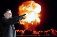 北朝鮮の核兵器保有と北朝鮮の対米戦の勝利の可能性について質問です。   北朝鮮は、なぜ核兵器保有に拘る背景には(自分が調べた限りでは・・・。 )、  1.核兵器を外交交渉による切り札として、使い、南北朝鮮を統一するため。  2.核兵器保有を目指していたイラクのフセイン政権やリビアのカダフィ政権が、米国の圧力で、核兵器保有を断念したことで、その後、イラクのフセイン政権やリビアのカダフィ...