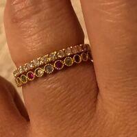 指輪見せてください。 ・なんでその指輪にしましたか? ・指輪買うとき、高いと言われましたか? ・いくらしましたか?後悔はありますか? ・お金持ち=でかいダイヤとおもいますか? ・買ってからしばらくして飽きましたか? ・後からもっといいのでてきましたか?  私は結婚指輪安っぽいねと皆に言われます。 ・ショーメのビーマイラブにダイヤついてるやつ、好みですか?どうですか?