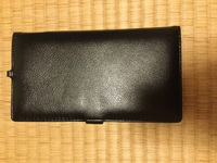 長財布の中にICカード(ICOCA Suica)などを入れたままで改札を通過することは出来ますか?こんな長財布です