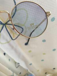 メガネ、サングラスを買ったことがある人!このuvシールがなかなか剥がれません。剥がして使うものですよね?