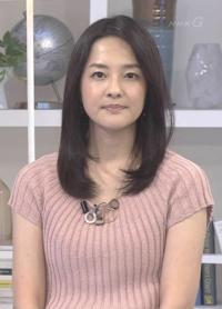ニュース7の鈴木奈穂子アナは淡いピンクのトップスはお似合いでしたか。