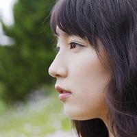 吉岡里帆の横顔ですけど鼻高いし、改めてみると美人なのでは?