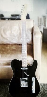 フェンダージャパンのギター。テレキャスは価値ありますか?かなり古く30年ぐらい前のものらしいです。値段はつくのでしょうか?