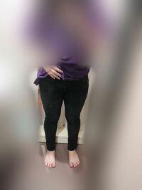 足が太いのは分かってるけどスキニーが履きたいです。 これはみすぼらしいですか?