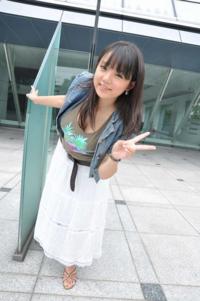 篠崎愛をぽっちゃりと定義してしまうと日本人女性の7割くらいがデブになってしまいますよね? 日本人女性が太りすぎなのでしょうか?篠崎愛は実は痩せているのでしょうか?