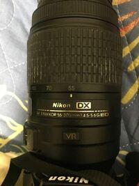 このレンズ(Nikon D5500のダブルズームキットの55~300mmレンズ)はフルサイズカメラに使用できますか?