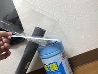水槽のフィルターで都合ないい形が無いため自作してるのですが、どうしても繋ぎ目から水が漏れます  グルーガンが入りきらず塞げません  そこで、いっそ水槽に使えるパテ?のようなものがあ れば、画像の線の...