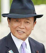 とある記事に、「いまだにスーツにハット姿で意気揚々と歩いているのは、日本の財務大臣兼副総理ぐらいのものだろう」とありましたが、  麻生さんのスタイルをどう思いますか?
