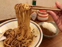 スパゲッティーを箸で食べるのって変ですか?