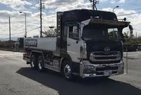 大型トラックのショートボディはディーラーに 頼むと作ってもらえるのでしょうか? 知っている方教えてください。
