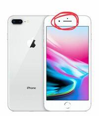 iPhone8 Plusについてです。 iPhone7から内蔵がステレオスピーカーになったと思うのですが、画像で目印を付けた方のスピーカーから音が出なくなってしまいました。 電話などは普通にできるのですが、YouTubeや音...