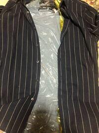 色合わせ的には合ってますか? ネイビーのシャツにインナーは水色。^_^