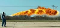 自衛隊が使っている火炎放射器の燃料は何なのでしょうか。 ・ ガソリンでしょうか。 軽油でしょうか。 ・ ・ ・ ■【紹介】日航123便墜落 遺物は真相を語る (青山透子) ・ https://www.youtube.com/watch?v=YLG1PZf7Prw