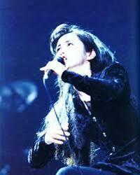 中島みゆきさん  松田聖子さん、松任谷由実さんも好き そして中島みゆきさんも好き ツアー全て行きます! ファン歴25年 ↑ 独り言  中島みゆきさんで好きな曲はありますか?  ♪誕生 ♪霧に走る