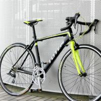 ロードバイクのブランドで、 いわゆる「ルック車」と呼ばれてる、 TOTEMっていうメーカーの自転車って 実際どうなんですか?  これから初めてロードバイクを買うので色々と調べたり自転車屋に行ったりしたんです...