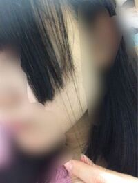 姫カットの方達に質問させていただきたいのですが、後ろ髪が姫カット部分にくっ付いてしまい上手く分けれない現象をどうしているのでしょうか? 私も姫カットなのですが、写真のような感じでいつも後ろの髪も姫部...