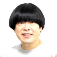 取引先と営業を行うサラリーマンや接客の男性の頭髪は今も横分けの端正な頭髪が企業から求められますか? 画像の蛍原氏のような髪型だと上司から注意を受けるでしょうか? 少なくとも就活時にはマズい髪型でしょ...
