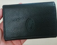 このカードケースの、ブランドが分かる方教えて頂けませんか??