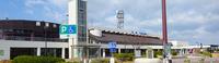 瀬戸中央自動車道の与島PAは東京湾アクアラインの海ほたるPAのような性格の施設ですか?