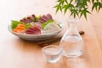 今日の酒の肴は何ですか ?  私は鮪の刺身と冷酒です。 https://detail.chiebukuro.yahoo.co.jp/qa/question_detail/q14214129834