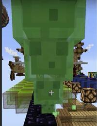 Minecraft でモブをモブの上に乗せるのってコマンドでできるんですか?
